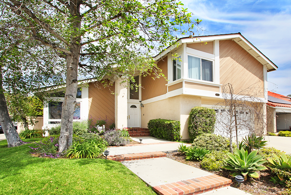May 2019, JUST SOLD $780,000 - Lake Forest, Via Tequila